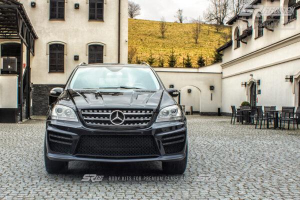 Mercedes-Benz ML W164 SR66 wide body kit